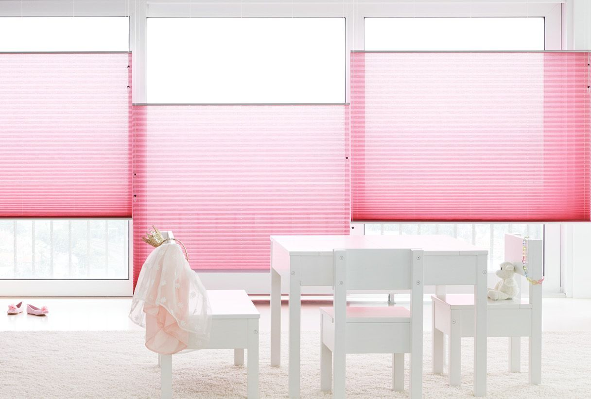 Raamdecoratie voor de kinderkamer - Van Dee Interieurs in Tiel